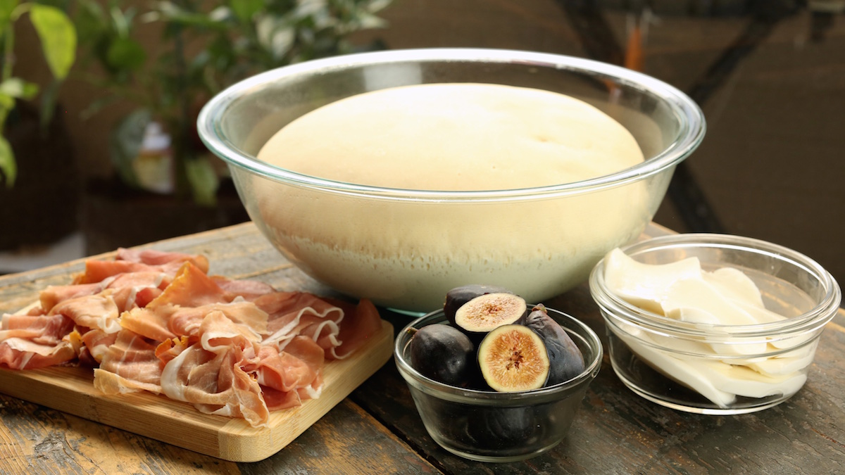 Fig Prosciutto Pizza Ingredients