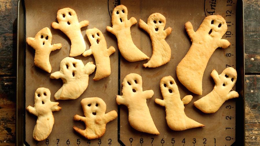 Halloween Ghost Crisps Recipe | Halloween Recipes