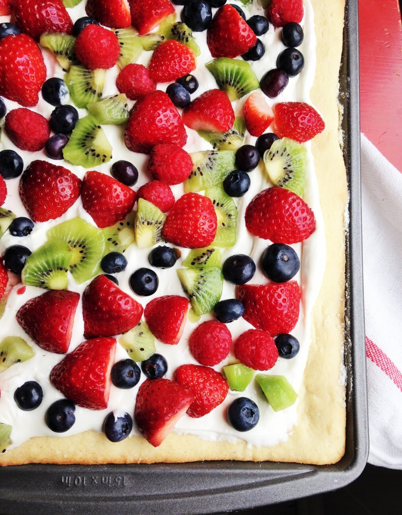 Quick & Easy Fruit Pizza - Recipes To Help You Survive A Heatwave
