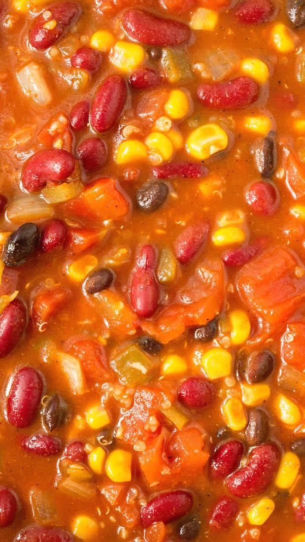 Savory, mealtless quinoa chili. Vegetarian.