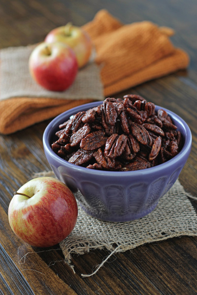 Apple Pie Spiced Pecans - 100+ Fall Recipes