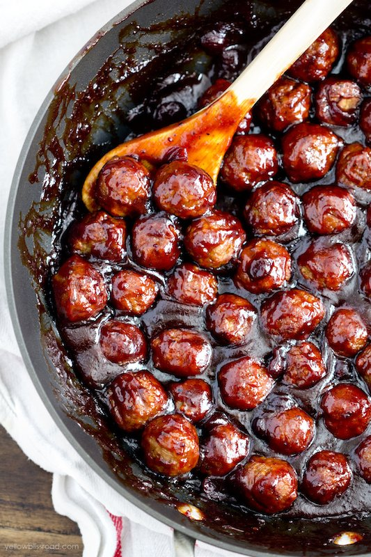 Spicy Cranberry Meatballs - Fall Appetizer Recipes