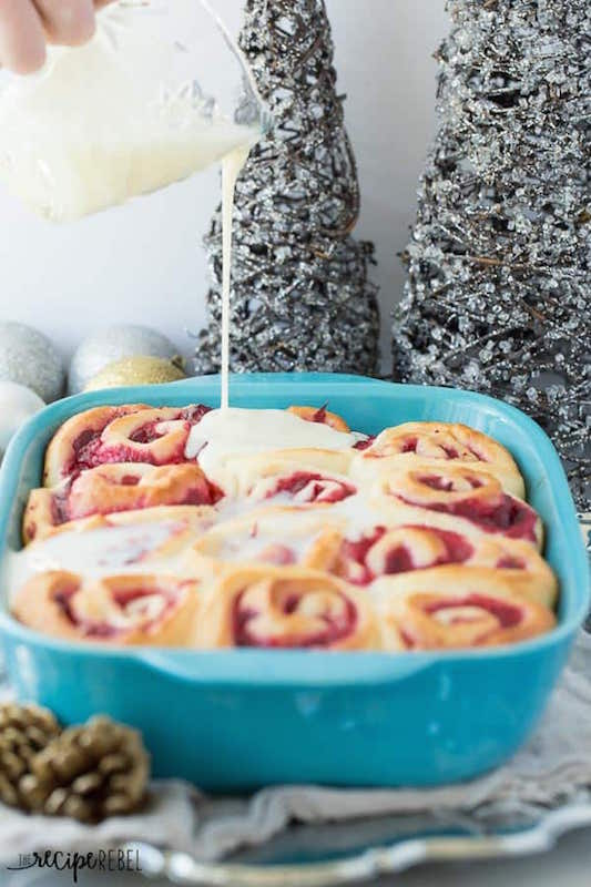 White Chocolate Cranberry Sweet Rolls - Best Christmas Breakfast Recipes